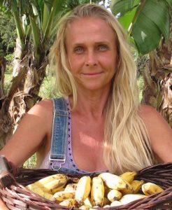 Annette-bananas-2-17 kopi 2