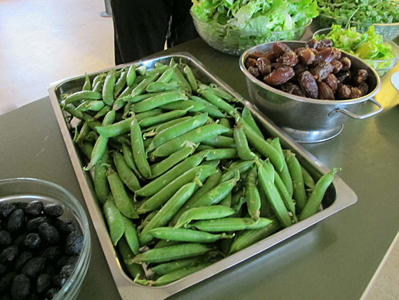 The food-peas and dates