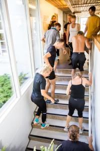Fitness-running down stairs